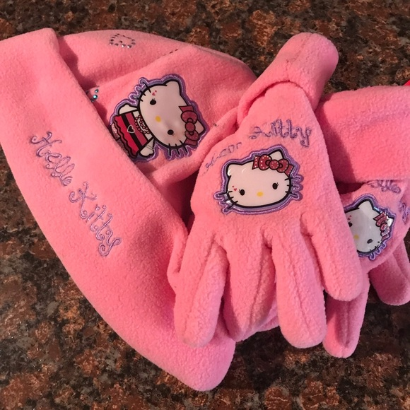 0473887a070 HELLO KITTY HAT AND GLOVES SET. NEW PINK